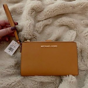 Michael Kors Jet Set Travel Wristlet- Marigold🌼🌼